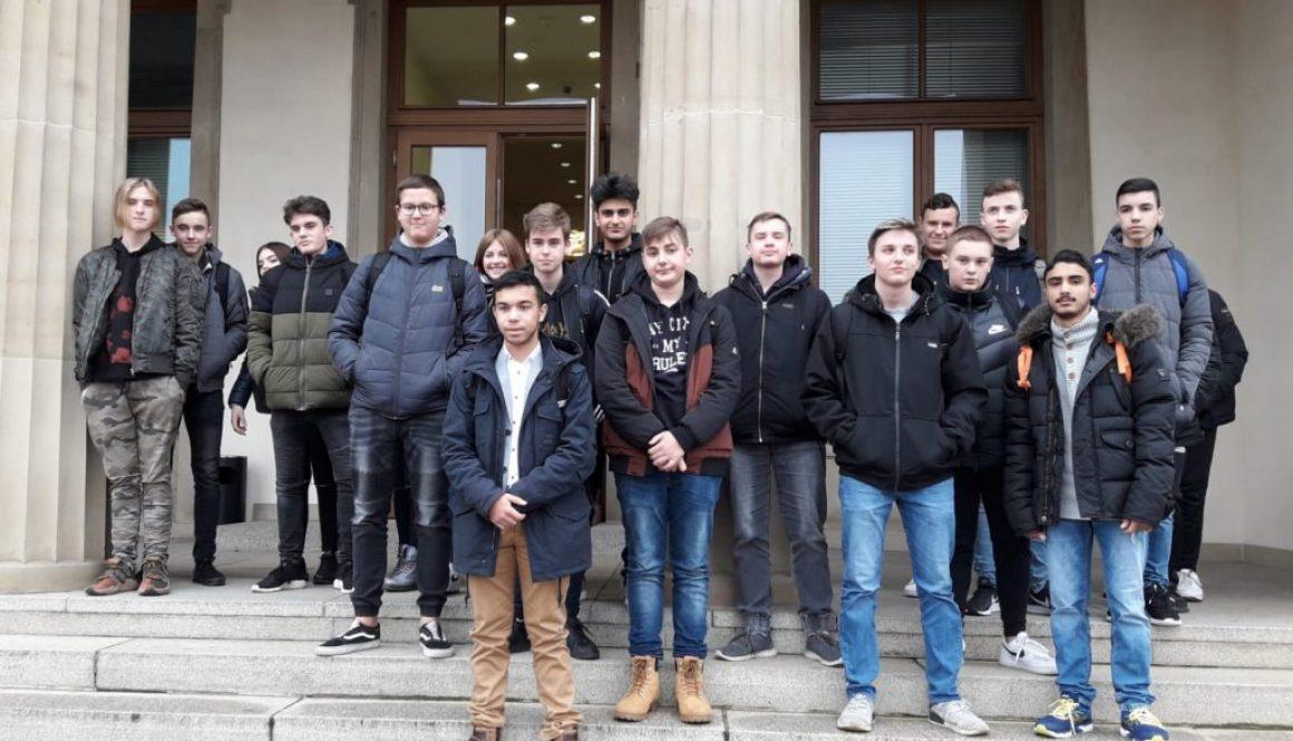 10b besucht den Landtag
