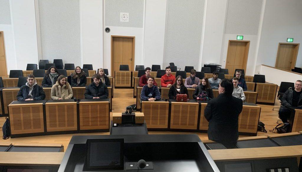 10 a: Besuch des saarländischen Landtags am 27.11.19